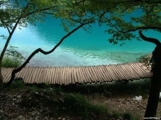 Собирать пазл Мостик над озером онлайн