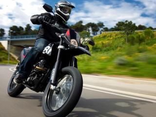 Собирать пазл Мотоциклист онлайн