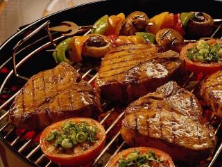 Собирать пазл Мясо гриль онлайн