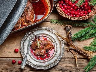 Собирать пазл Мясо в соусе онлайн