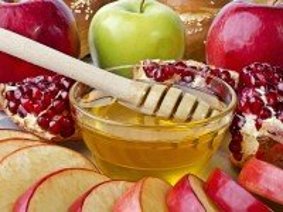 Собирать пазл Мёд и фрукты онлайн