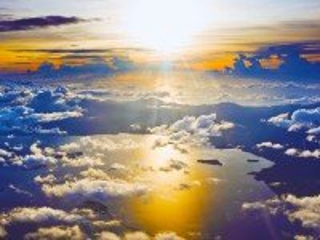 Собирать пазл Над облаками онлайн
