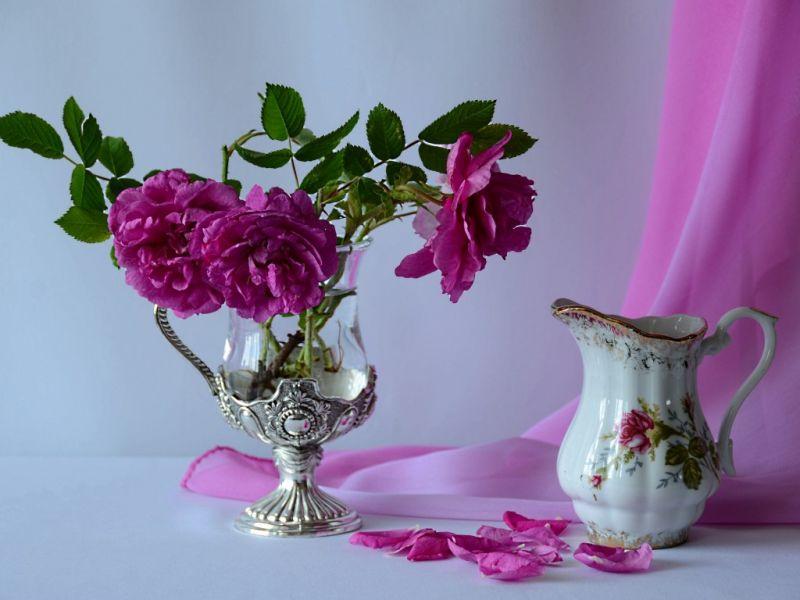 Пазл Собирать пазлы онлайн - Розы и фарфоровый кувшин