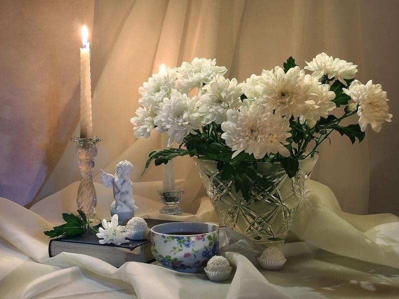 Пазл Собирать пазлы онлайн - Натюрморт с хризантемами