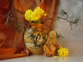 Собирать пазл Натюрморт с хризантемой  онлайн