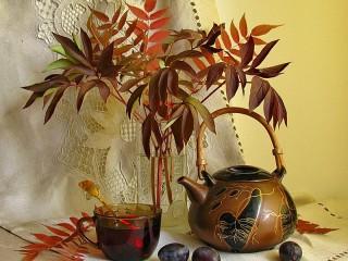 Собирать пазл Натюрморт с чайником онлайн