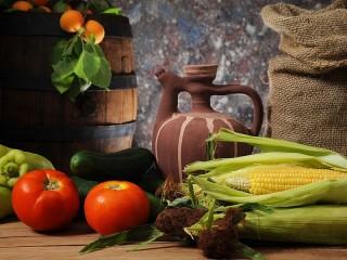 Собирать пазл Натюрморт с кукурузой онлайн