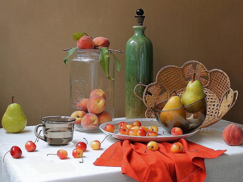 Пазл Собирать пазлы онлайн - Натюрморт с персиками