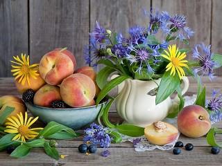 Собирать пазл Натюрморт с персиками онлайн