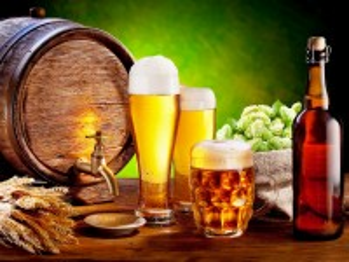 Собирать пазл Натюрморт с пивом онлайн