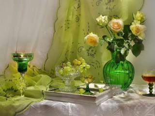 Собирать пазл Натюрморт с розами онлайн