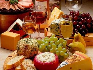 Собирать пазл Натюрморт с вином онлайн