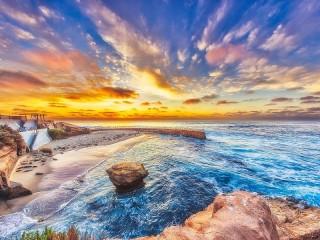 Собирать пазл Небо и море онлайн