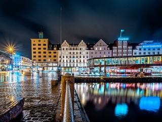 Собирать пазл Ночной Берген онлайн