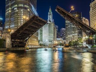 Собирать пазл Ночной Чикаго онлайн