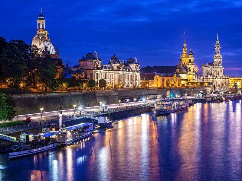 Пазл Собирать пазлы онлайн - Ночной Дрезден