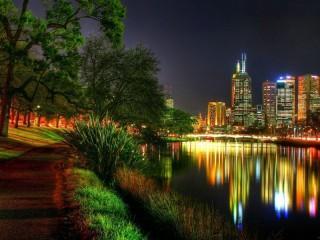 Собирать пазл Ночной город огни онлайн