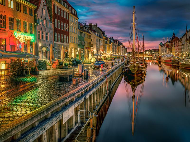 Пазл Собирать пазлы онлайн - Ночной Копенгаген