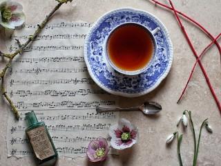 Собирать пазл Ноты и чай онлайн