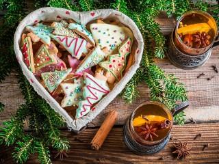 Собирать пазл Новогоднее угощение онлайн
