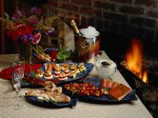 Собирать пазл Романтический ужин онлайн