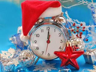 Собирать пазл Новогодний будильник онлайн