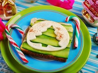 Собирать пазл Новогодний бутерброд онлайн