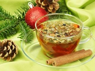 Собирать пазл Новогодний чай онлайн