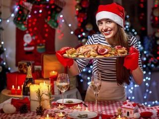 Собирать пазл Новогодный ужин онлайн
