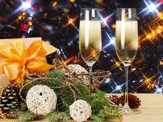 Собирать пазл Новогодняя романтика онлайн