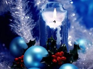 Собирать пазл Новогодняя свеча онлайн