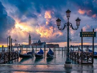 Собирать пазл Облака Венеции онлайн