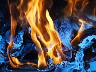 Собирать пазл Огонь на синем онлайн