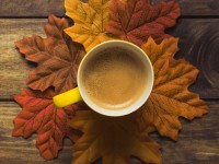 Собирать пазл Октябрьский кофе онлайн