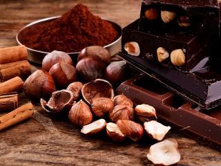Собирать пазл Орехи с шоколадом онлайн