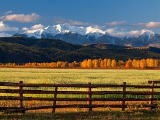 Собирать пазл Осень в долине онлайн