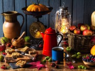 Собирать пазл Осеннее чаепитие онлайн