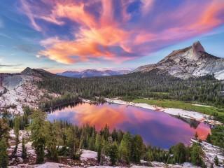 Собирать пазл Отражение неба онлайн