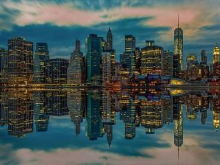Собирать пазл Отражение Нью-Йорка онлайн