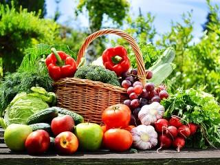 Собирать пазл Овощи и фрукты онлайн