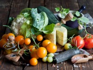 Собирать пазл Овощи и сыр онлайн