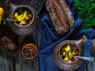 Собирать пазл Овощи в горшочке онлайн