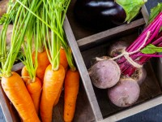 Собирать пазл Овощи в ящике онлайн