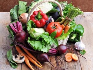 Собирать пазл Овощная корзина онлайн