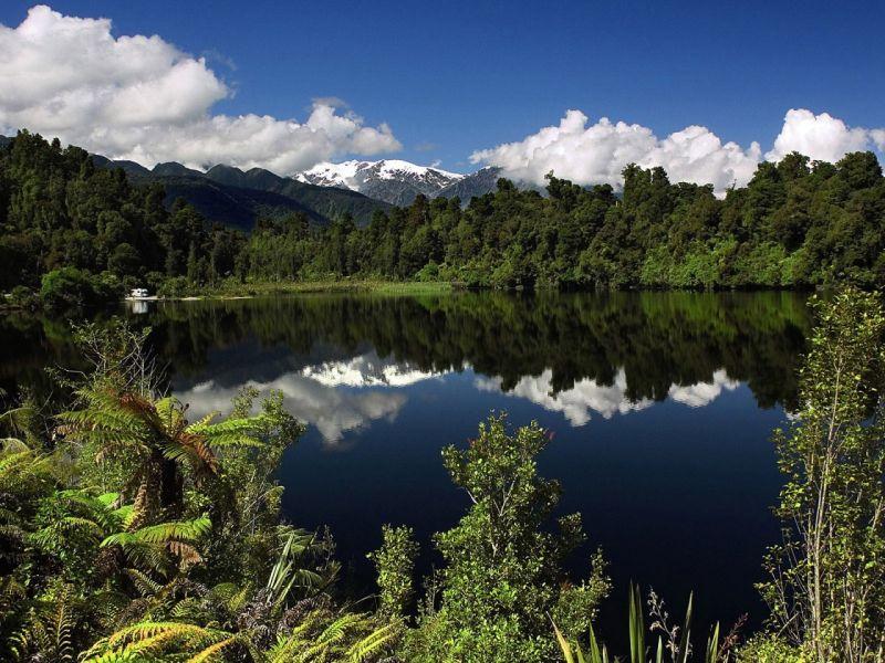 Пазл Собирать пазлы онлайн - Озеро лес красота