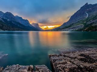 Собирать пазл Озеро Святой Марии онлайн
