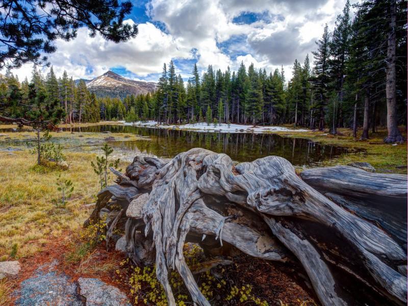 Пазл Собирать пазлы онлайн - Озеро у гор
