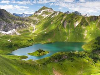 Собирать пазл Озеро в Баварии онлайн