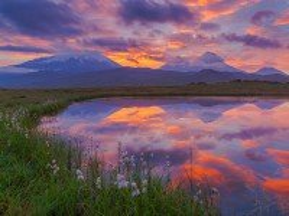 Собирать пазл Озеро в долине онлайн