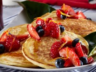 Собирать пазл Панкейки в ягодах онлайн